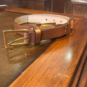 Talbots Brown Leather belt with Gold accents.